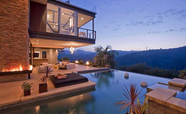 Ashton Kutcher Buys Entertainers Dream Home in Hollywood